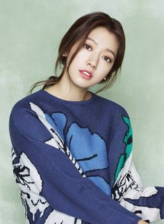 Park Shin-hye is appearing at the 2016 Asia Artist Awards which is a combination of Kpop and drama. The AAA anticipates a creative and stylish event this coming 16th of November.