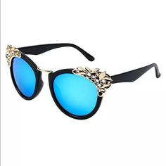 Retro Rhinestone Cat Eye Sunglasses Vintage Fashion Women Retro Rhinestone Cat Eye Sunglasses Flower Shades Glasses  100% Brand New and High Quality Frame Material:Plastic Material: Metal & Resin Protection against Harmful UVA/UVB Rays Retro Classic Fashion Vintage Sunglasses Frame Width: 155 mm Frame Feet Length: 140mm Lens Height: 58 mm Lens Width: 60mm Nose Width: 20mm Please allow 1-2 mm differs due to manual measurement.  Perfect for any occasion.  Perfect for a gift.  Thank you. Let me…