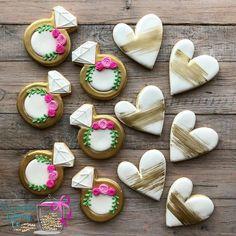 Iced Cookies, Cut Out Cookies, Cute Cookies, Sugar Cookies, Cookies Et Biscuits, Owl Cookies, Wedding Shower Cookies, Wedding Cake Cookies, Decorated Wedding Cookies