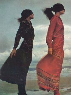 """Vogue Paris February 1971 """"Les filles de l'an Models: Susan Moncur & Isabelle Weingarten Photographer: Guy Bourdin Fashion Images, 70s Fashion, French Fashion, Fashion History, Fashion Beauty, Vintage Fashion, Vintage Beauty, Guy Bourdin, Vogue Paris"""