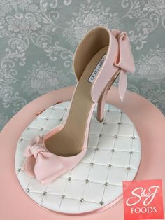 Blush, gold and Ivory theme High Heel Cakes, Shoe Cakes, High Heel Kuchen, Bolo Artificial, Zoes Fancy Cakes, Handbag Cakes, Purse Cakes, Tiffany Cakes, Gift Box Cakes