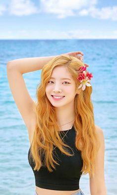 Nayeon, Kpop Girl Groups, Korean Girl Groups, Kpop Girls, Twice Dahyun, Tzuyu Twice, Twice Group, Twice Korean, Bubblegum Pop
