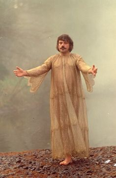 style icon: oliver reed in the devils. Cult Movies, Scary Movies, Scene Photo, Movie Photo, Ken Russell, Oliver Reed, Children Images, Horror Films, Film Stills