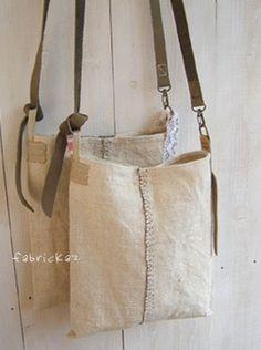 Linen/canvas messenger bag