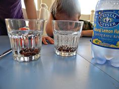 gases: balloons, dancing raisins and vinegar and baking soda blowing up a balloon Info on solid, liquid, gas Grade 2 Science, Science Fun, Science Ideas, Science Experiments, Dancing Raisins Experiment, Solid Liquid Gas, Kids Reading, Binder, Summer Fun