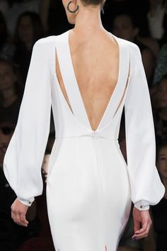 // Our bridal haute-couture, sur-mesure, designers dresses inspiration worldwide Fashion 2018, Runway Fashion, Womens Fashion, Fashion Details, Fashion Design, Mode Style, White Fashion, Dress To Impress, Beautiful Dresses
