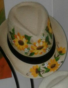 Painted Hats, Hand Painted, Cowgirl Hats, Hand Embroidery Stitches, Custom Hats, Summer Accessories, Yarn Colors, Fabric Painting, Beret