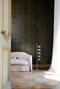 Wallcovering from Elitis, Anguille Big Croco Galuchat
