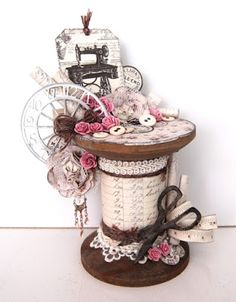 Creative Tips Can Change Your Life: Shabby Chic Ideas Party shabby chic salon mason jars.Shabby Chic Furniture Excellent Shabby Chic Art IdeasDefining a Style Series: What Is S Shabby Chic Salon, Shabby Chic Kunst, Shabby Chic Crafts, Shabby Chic Living Room, Shabby Chic Bedrooms, Vintage Crafts, Shabby Chic Homes, Shabby Chic Nightstand, Shabby Chic Mirror