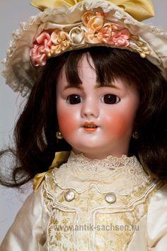 Кукла DEP, Франция