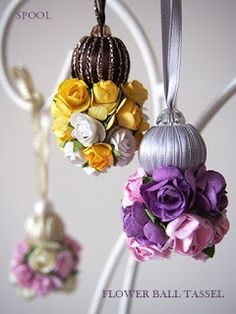 Franjas com moldes para imprimir - Como Fazer Silk Ribbon Embroidery, Embroidery Jewelry, Rose Crafts, Diy And Crafts, Saree Tassels Designs, Rakhi Design, Diy Tassel, Fabric Roses, Passementerie