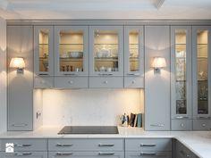 Szara klasyczna kuchnia - zdjęcie od Katarzyna Kraszewska Architektura Wnętrz