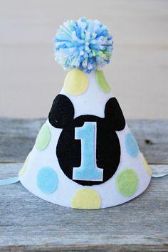 Sombrero de cumpleaños de Mickey Mouse 1ª los por LaLaLolaShop