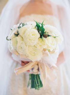 romantic white bridal bouquet   photo: www.josevilla.com