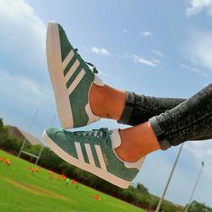 La clave del éxito de las Adidas Gazelle es la sencillez de sus formas . Disponibles en Capsule y en la Shop on-line http://www.capsulesneakers.es/zapatillas/adidas/gazelle-60739.html