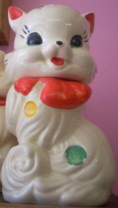 Vintage indented dots Fluffy cat cookie jar $95.00
