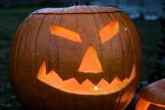 Is Halloween Evil? Why Witches, Occultists And Satanists Celebrate Halloween And Why You Should Not Halloween Night, Halloween Themes, Halloween Costumes, Autumn Nature, Big Night, Nature Images, High Quality Images, Pumpkin Carving, It Cast