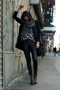 I would love to find a good pair of leather pants like this.