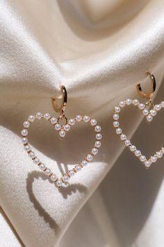 Gold Bar Stud earrings in Gold fill, short gold bar stud, gold fill bar post earrings, gold bar earring, minimalist jewelry - Fine Jewelry Ideas Cute Jewelry, Bridal Jewelry, Gold Jewelry, Jewelry Accessories, Jewelry Necklaces, Jewelry Design, Gold Bracelets, Bohemian Jewelry, Couple Bracelets