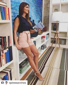 Κορίτσια μου σας έχω super διαγωνισμό! Αν θέλετε να ΚΕΡΔΙΣΕΤΕ αυτό το μοναδικό οutfit από @toimoifashion κάντε τα εξής ... 1. Κάντε FOLLOW την @toimoifashion. 2. Κάντε  ΜΕΝΤΙΟΝ 2 stylish φίλες σας  κάτω από την φωτογραφία  #ToiMoiFASHION #ToiMoiWOMEN  Sun Shines, summer still on our Minds! #style #happystyle #stillsummer @stam_tsimtsili in #total @toimoifashion #look and #sexyheels #by @shoessante #pink and #blue #shades  #earings by #artin #jewels #hair and #makeup by @roulamarinopoulou