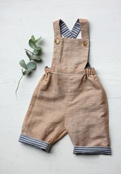 Baby Outfits, Toddler Outfits, Kids Outfits, Baby Sewing, Kind Mode, Overall Shorts, Diy Clothes, Boy Fashion, Unisex