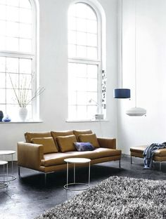 An interior design service tailored to you. BoConcept is a Danish furniture store that turns houses into modern homes. Browse our designer furniture. My Living Room, Living Room Interior, Home And Living, Living Spaces, Boconcept Sofa, Sofa Design, Sofa Cognac, Modern Furniture, Furniture Design