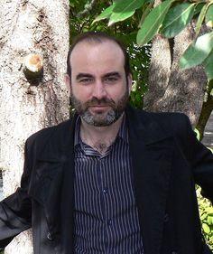 El escritor confiesa que mantiene una relación muy especial con Galiciahttp://www.elidealgallego.com/articulo/coruna/-me-converti-en-el-protagonista-del-libro-afirma-el-ganador-del-torrente-ballester/20121116002653088306.html