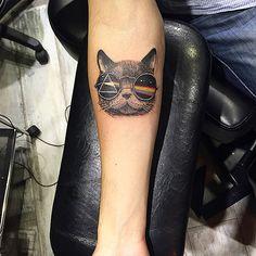 cross stitch tattoo on girl side rib cross stitch car tattoo on half Dope Tattoos, Girly Tattoos, Music Tattoos, Trendy Tattoos, Black Tattoos, Tattoos Pics, Pink Floyd, Cross Stitch Tattoo, Scalp Tattoo