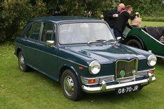 Riley 1300 mk II Coventry, Jeep Wallpaper, 4x4 Wheels, Morris, Kit Cars, Great British, Future Car, Buses, Jaguar