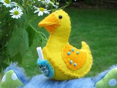 8 sweet duck patterns to make!  Knit, crochet and sewing patterns
