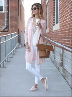 42+ Trendy Spring Outfits Ideas For Women - Explore Dream Discover Blog Pink Outfits, Mode Outfits, Trendy Outfits, Blush Pink Outfit, Ladies Outfits, 30 Outfits, Spring Outfits Women, Pink Shoes Outfit, Early Spring Outfits