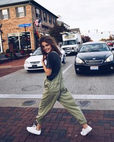 Street style + casual overalls.
