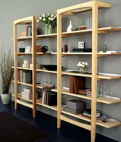 étagères en bois pour un rangement parfait dans le salon
