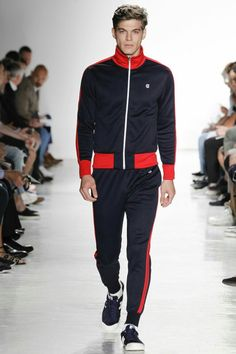 The complete todd snyder spring 2017 menswear fashion show now on vogue run Male Fashion Trends, Sport Fashion, Fashion Show, Mens Fashion, Fashion 2017, Oufits Casual, Todd Snyder, Sport Man, New York Fashion