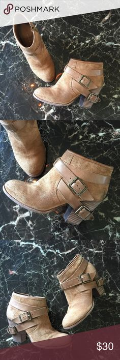 "Giani Bini tan strappy ankle cowgirl bootie 8 ⚜Giani Bini Booties⚜  • Sexy cowgirl style  • Super cute strappy detail  • Ankle bootie cut  • Zip up closure  • Durable & quality material  • Some scuffs and worn areas but still has a lot of life left in them! (Pls see pix for condition.)   ⚜ Size 8 ⚜  • About 3.5"" heel  • Retails for $100!  • • ⚜ • • No Holds/Trades • • ⚜ • • Giani Bini Shoes Ankle Boots & Booties"