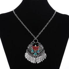 Sizz Tassel Leaves Pendant Necklace