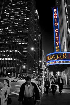 Radio City Music Hall in New York City, taken May 2006. Photo by @Joey Lax-Salinas