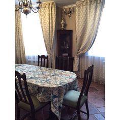 ❄️Добрый вечер!  И мы продолжаем делиться фото наших покупателей: Санкт-Петерубрг - обеденный комплект (стол+6 стульев) и угловая витрина в классическом стиле #bufettaburet #буфеттабурет #отзывбуфеттабурет