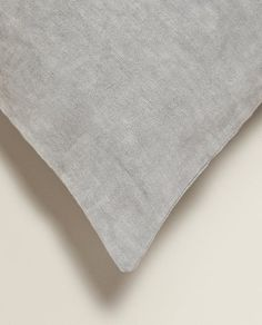 Image 4 of the product LINEN CUSHION COVER WITH THICK ZIP Zara Home, Improve Yourself, Cushions, Zip, Cover, Image, Throw Pillows, Toss Pillows, Pillows