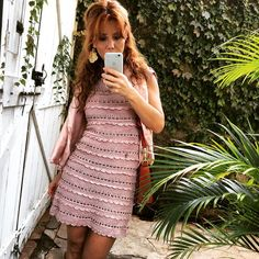Gooood Friday everyone  #vanessamontorocrochet #handmadeluxurydresses #vanessamontorostyle ☺️
