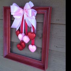For the most romantic day in the year, Valentine's Day we have selected interesting diy crafts. Be creative for the Valentine's Day and give cute . Diy Valentines Day Wreath, Valentine Day Love, Valentines Day Decorations, Valentine Day Crafts, Valentine Ideas, Printable Valentine, Homemade Valentines, Decoration St Valentin, Diy Valentine's Day Decorations