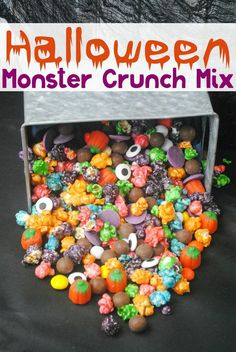 Doesn't this Halloween Monster Crunch Mix look colorful and tasty?!?! Its the perfect snack for all your Halloween parties!