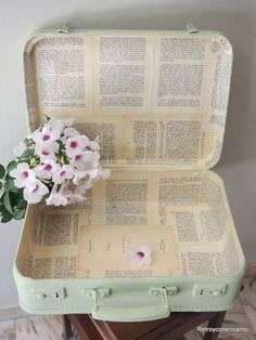 upcycled vintage suitcase decoupaged book pages painted mint Suitcase Decor, Suitcase Table, Painted Suitcase, Trunk Makeover, Furniture Makeover, Vintage Suitcases, Vintage Luggage, Upcycled Vintage, Vintage Decor