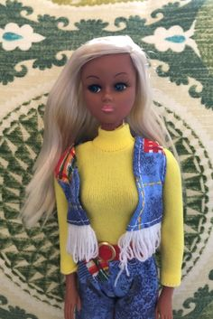 With the rise in popularity of Barbie, a number of clone dolls were introduced in the mid-70s including this LJN Toys' Petite fashion doll. Most Petite dolls didn't have names but a few did, like Leslie, Susie and Pamela. I believe this one is Tina. #barbieclone #petitefashiondoll Barbie 1990, Barbie Dolls, Vintage Barbie, Petite Fashion, Pretty Hairstyles, Fashion Dolls, Names, Toys, Collection