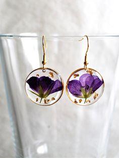 Little gift for girlfriend. Resin Jewelry Making, Jewelry Box, Jewelry Armoire, Jewelry Clasps, Gold Jewelry, Hanging Jewelry, Diy Jewelry, Women Jewelry, Jewelry Findings