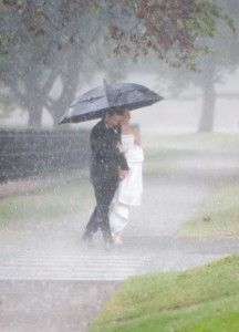 rain on your wedding day Rainy weddings #monsoon weddings www.weddingsonline.in