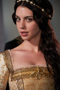 "Adelaide Kane as Queen Mary on ""Reign"" Adelaide Kane, Reign Mary, Mary Queen Of Scots, Queen Elizabeth, Mary Stuart, Francis Of France, Isabel Tudor, Elisabeth I, Queen Mary"
