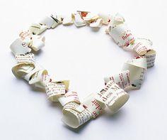 Ute Eitzenhöfer Necklace: Eyecontourbalmbeautyflashmoisturelotioncollier, 2002 Cream tubes (PP), thread, 925 silver, agate Photography: Julian Kirschler