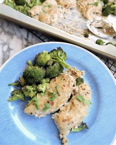 creamy Alfredo sauce with chicken and perfectly crisp broccoli. Paleo and Whole30 compliant!