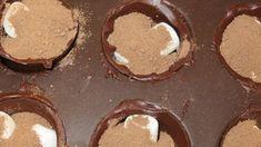 Chocolate Bomb, Chocolate Marshmallows, Hot Chocolate Bars, Hot Chocolate Recipes, Chocolate Gifts, Holiday Baking, Christmas Baking, Yummy Drinks, Delicious Desserts
